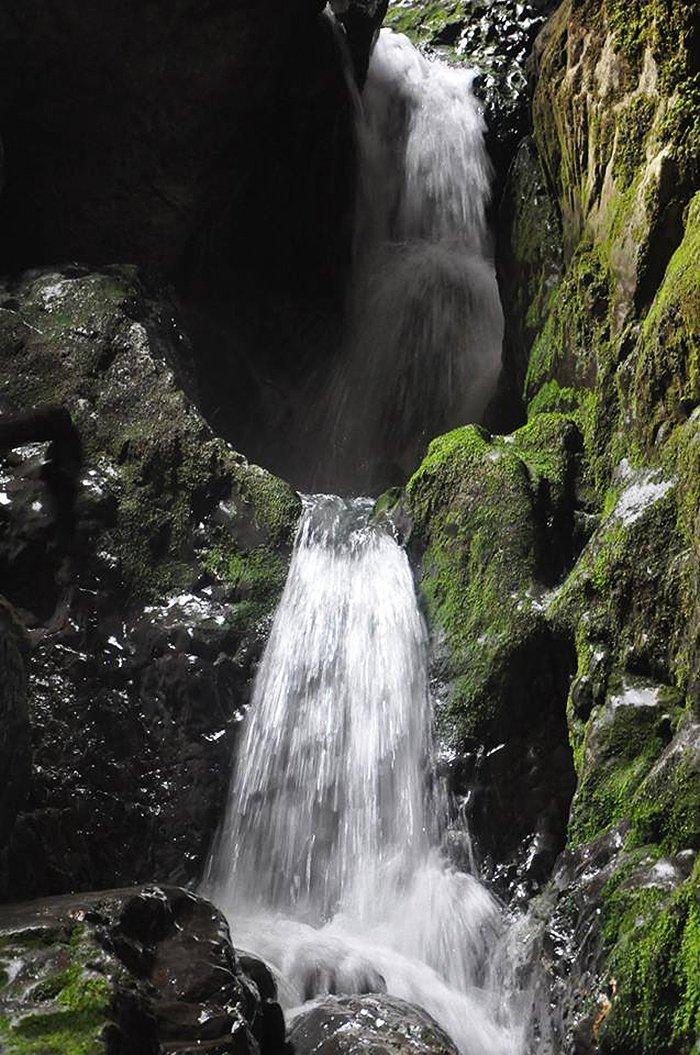 Cetatile Ponorului Waterfall