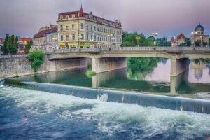 Podul din centrul orasului