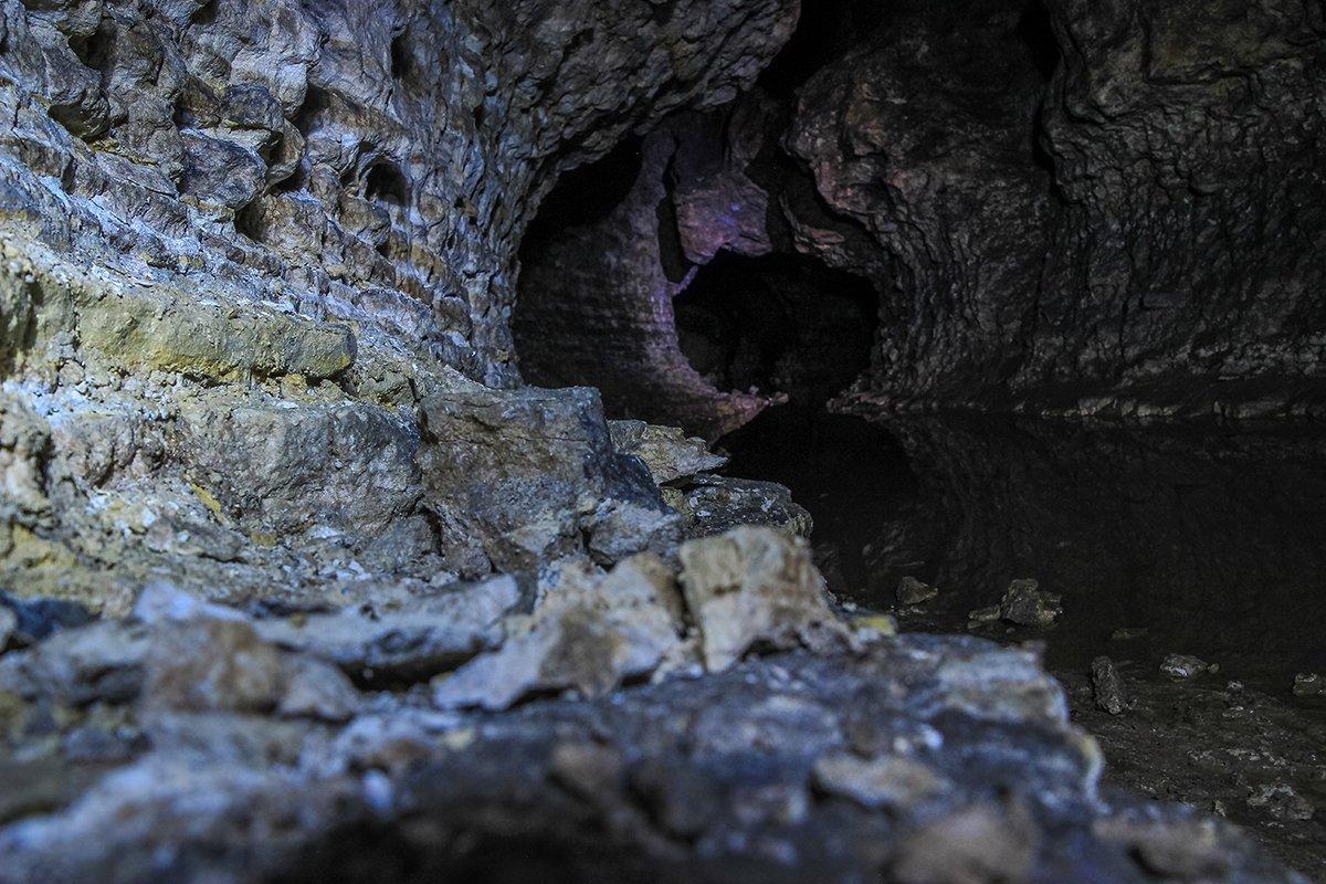 Stracoş Cave
