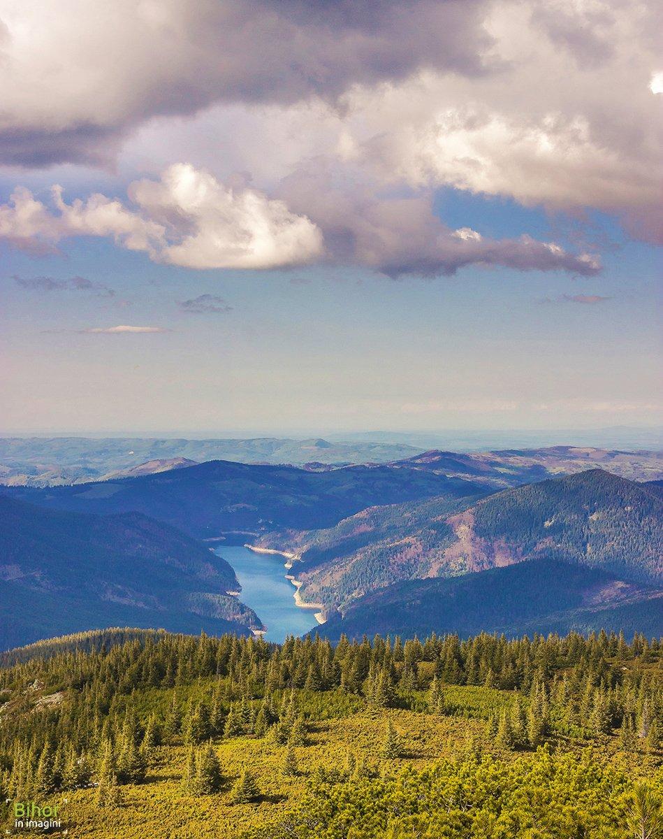 Dragan Lake viewed from Buteasa Peak