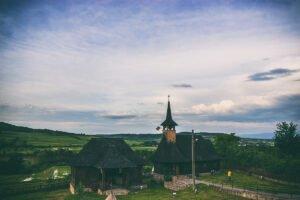 Biserica de lemn Bratesti