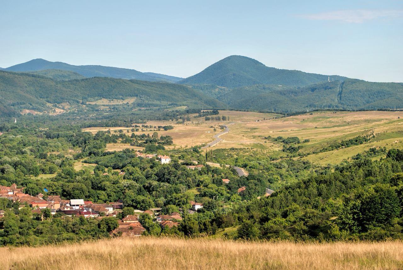 Traseul Cărpinet – Izbucul Călugări