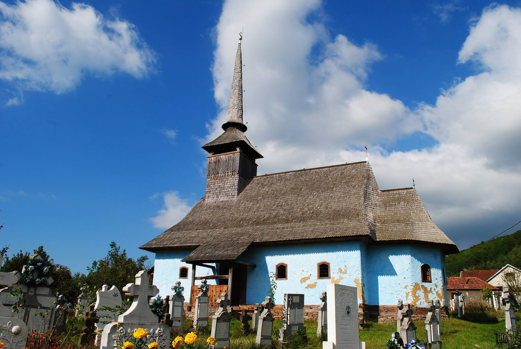 The wooden church in Fânaţe village