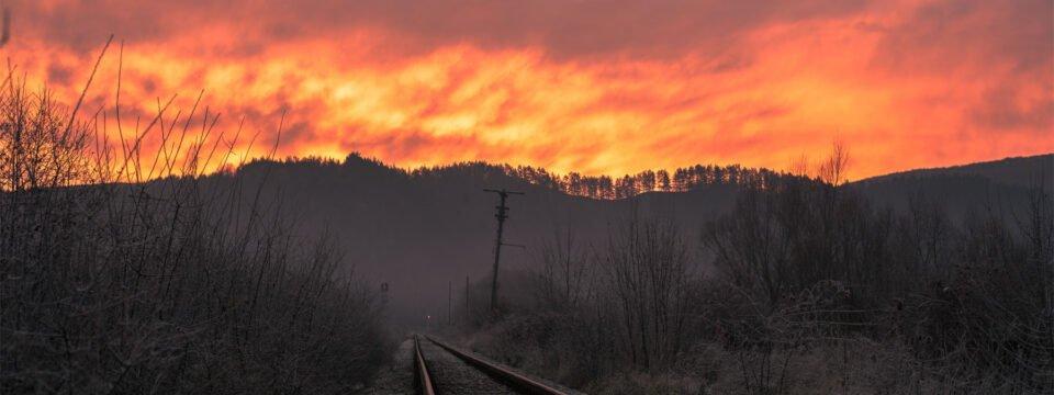Răsărit pe calea ferată