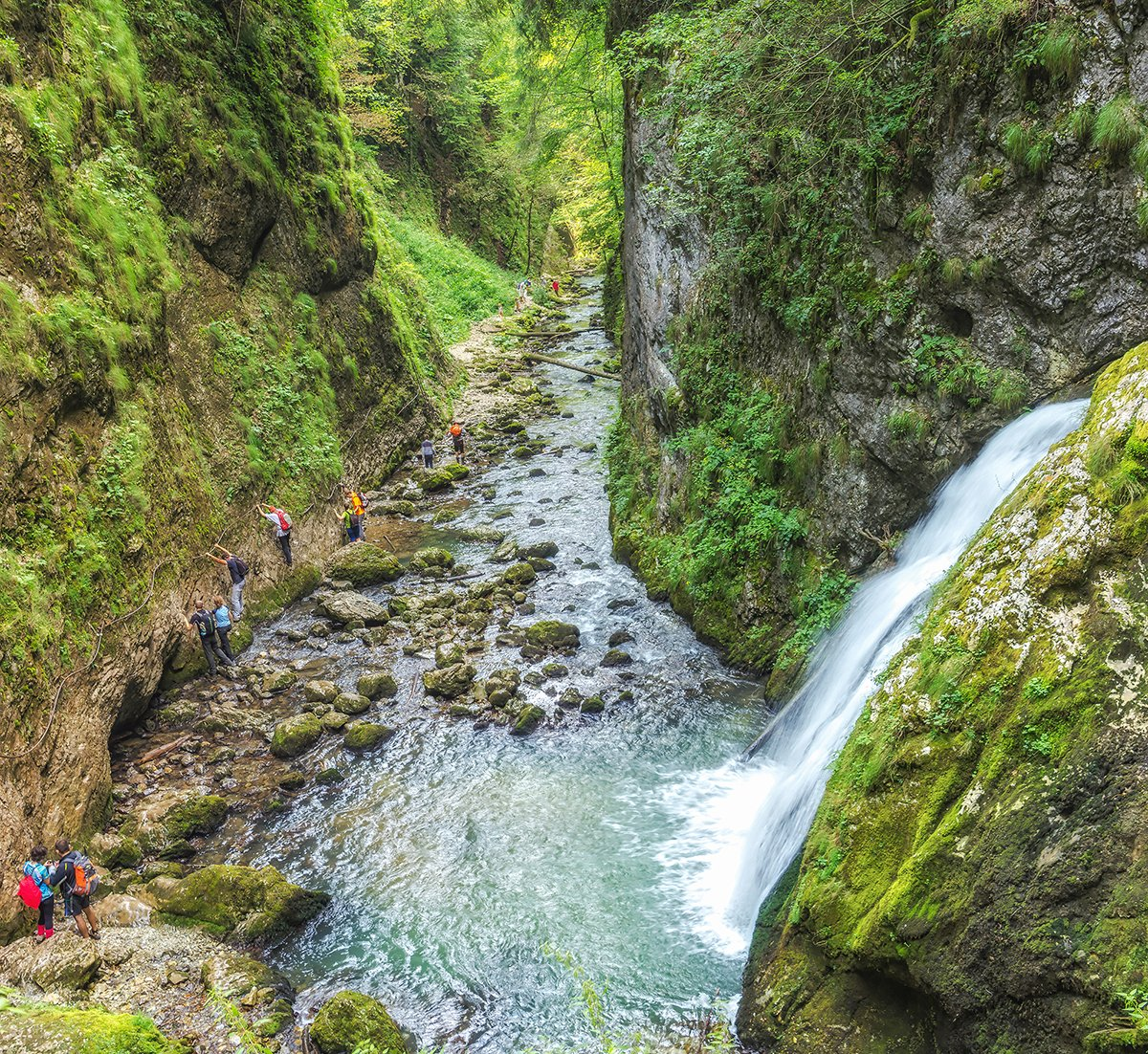 Cascada Evantai de pe Cheile Galbenei