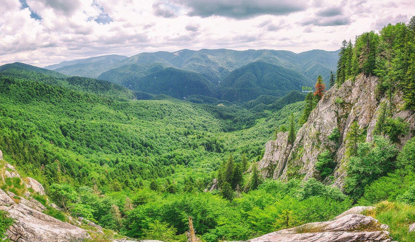 Pietrele Galbenei, vedere panoramică