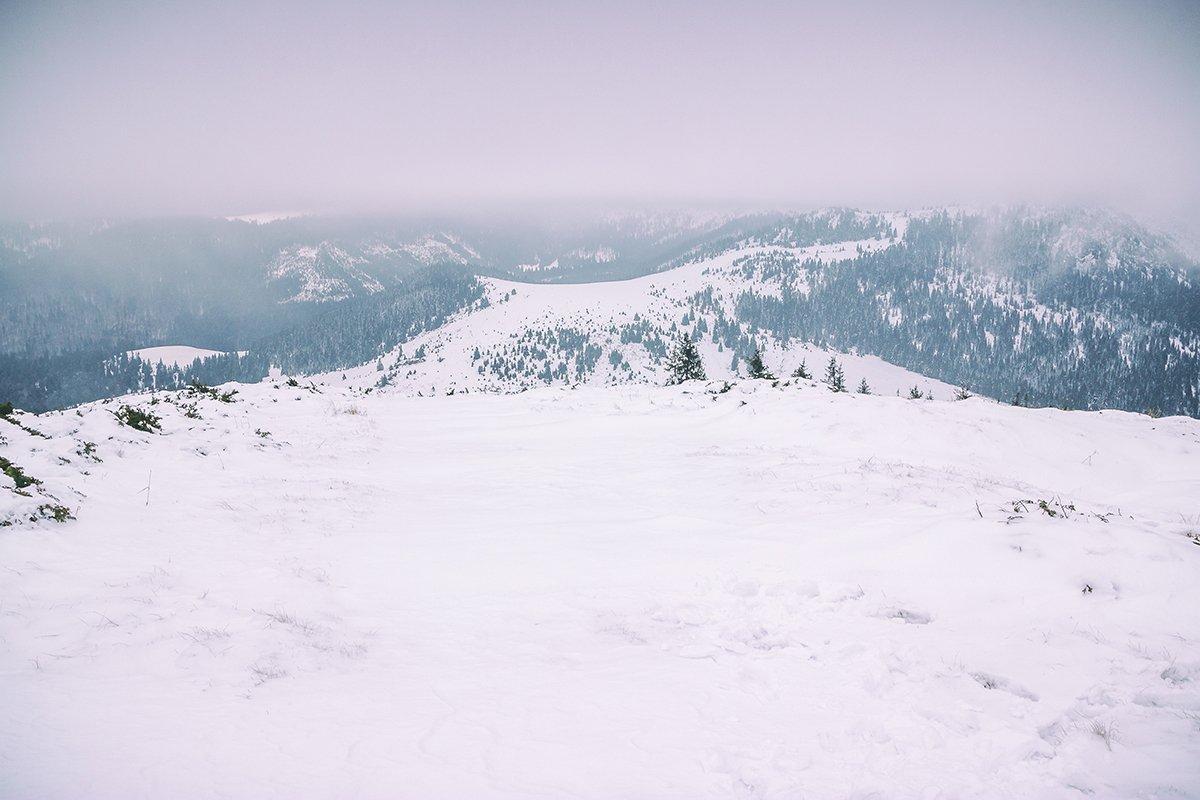 Vedere panoramica de pe Vf Poieni