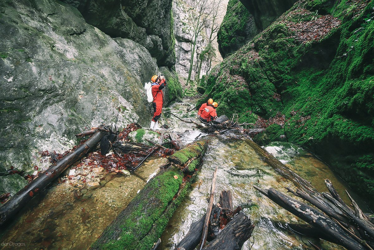 Canyoning on the Jgheabului gorge