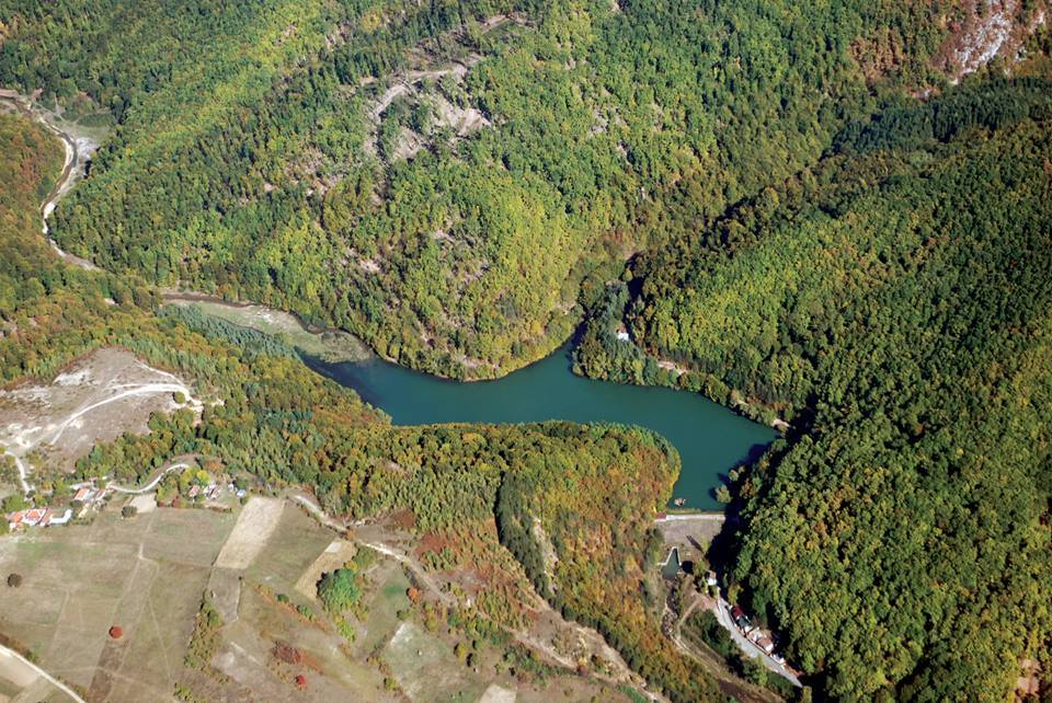 Vida Lake from above