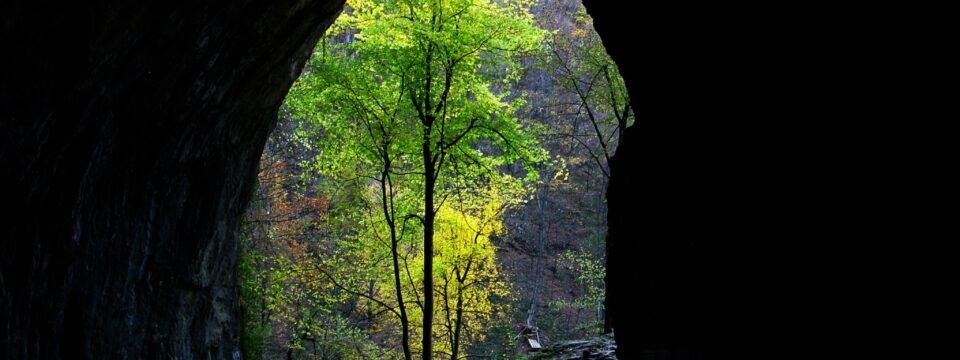 Peștera Meziad