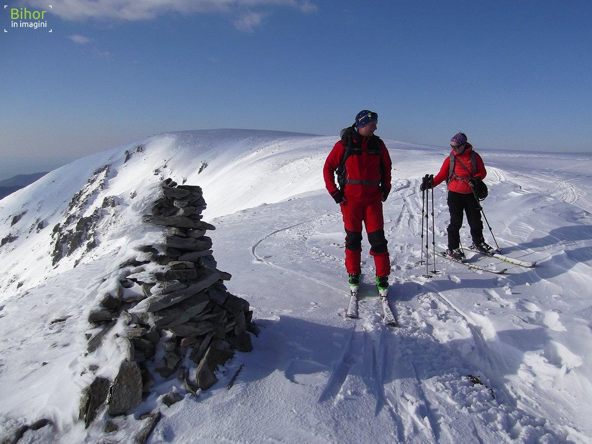 Cornu Munților peak