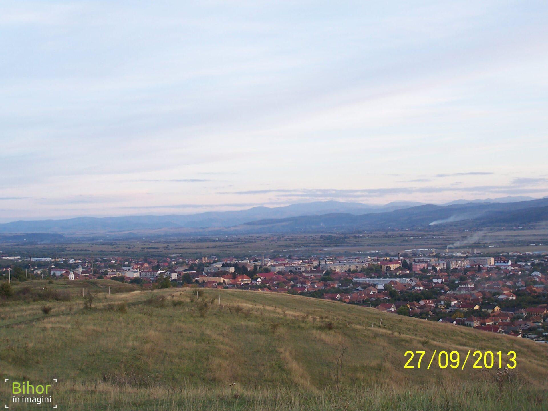 Vedere panoramica de pe dealul Husia