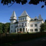 Traseul Pădurea Neagră – Castelul Zichy din Poiana Florilor – Cetatea Piatra Şoimului