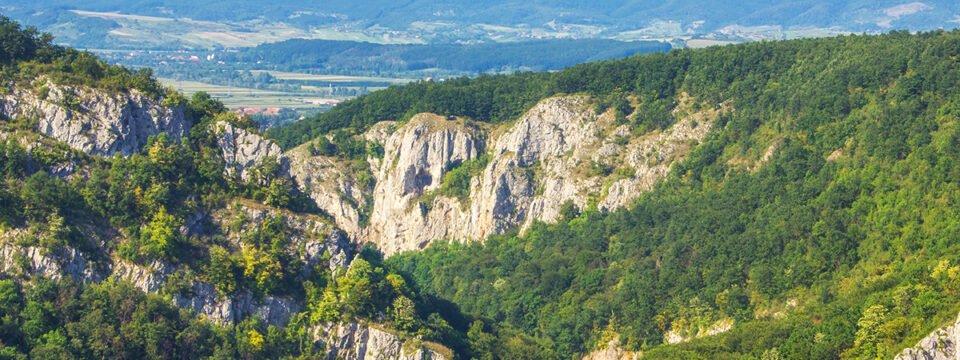 Trail: Vadu Crişului cave – Şuncuiuş village
