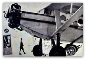 Avionul FARMAN 190 care a aterizat la Vadu Crisului in 6 iunie 1930 , pilotat de francezul Lallouette