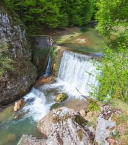 Cascada pe Cheile Lazuri