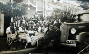 Foto document : Tarani din Vadu Crisului prezentzi la Bucuresti la sarbatorirea zilei regelui Carol al II lea