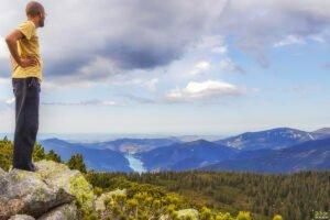 Vedere panoramica spre Masivul Vladeasa