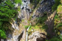 Oşelu waterfall and canyon