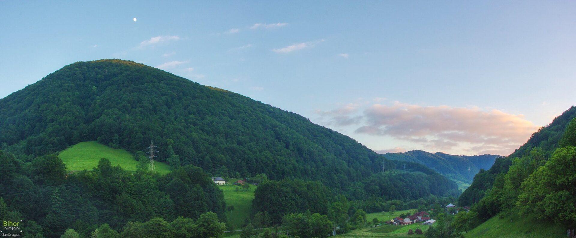 Iadului Valley at sunset