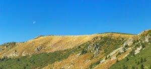 Vedere panoramica asupra Culmei Carligate