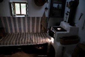 Casa Tradiţională interior01