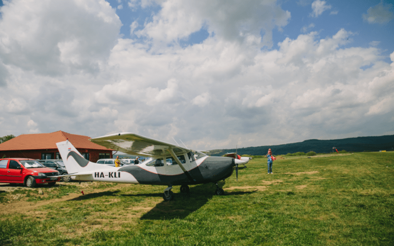 aerodrom-planorism-kingsland-ineu-01